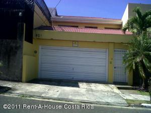 Casa En Venta En Trejos Montealegre, Escazu, Costa Rica, CR RAH: 11-53