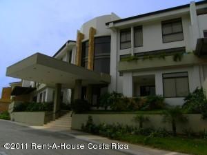 Apartamento En Alquiler En Santa Ana, Santa Ana, Costa Rica, CR RAH: 11-145