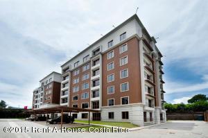 Apartamento En Venta En Curridabat, Curridabat, Costa Rica, CR RAH: 15-13