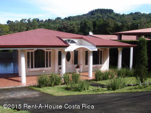 Casa En Venta En Alajuela Centro, Alajuela, Costa Rica, CR RAH: 15-42