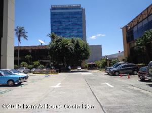 Oficina En Venta En Sabana, San Jose, Costa Rica, CR RAH: 15-122