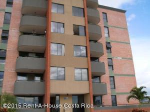 Apartamento En Venta En San Rafael De Alajuela, Alajuela, Costa Rica, CR RAH: 15-154