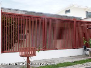 Casa En Venta En Trejos Montealegre, Escazu, Costa Rica, CR RAH: 15-175
