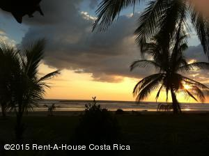 Casa En Venta En Carmona, Nicoya, Costa Rica, CR RAH: 15-281