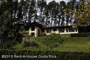 Casa En Venta En Santa Ana, Santa Ana, Costa Rica, CR RAH: 15-314