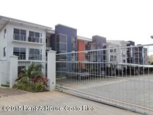 Apartamento En Alquiler En Ciudad Cariari, Heredia, Costa Rica, CR RAH: 15-317