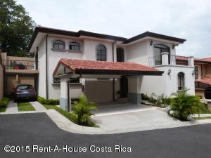 Casa En Venta En Guachipelin, Escazu, Costa Rica, CR RAH: 15-323