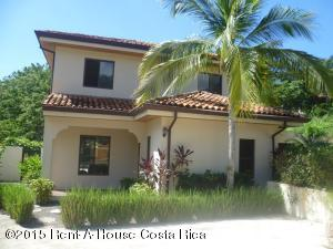 Casa En Venta En Playa Tamarindo, Santa Cruz, Costa Rica, CR RAH: 15-349