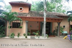 Casa En Venta En Playa Tamarindo, Santa Cruz, Costa Rica, CR RAH: 15-353