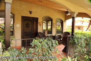 Casa En Alquiler En Santa Ana, Santa Ana, Costa Rica, CR RAH: 15-372
