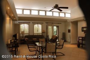 Casa En Alquiler En Santa Ana, Santa Ana, Costa Rica, CR RAH: 15-371