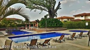 Apartamento En Ventaen Pozos, Santa Ana, Costa Rica, CR RAH: 16-57