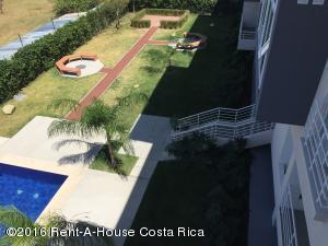 Apartamento En Alquiler En Santa Ana, Santa Ana, Costa Rica, CR RAH: 16-63