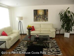 Apartamento En Venta En Santa Ana, Santa Ana, Costa Rica, CR RAH: 16-90