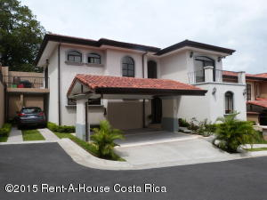Casa En Alquiler En Guachipelin, Escazu, Costa Rica, CR RAH: 16-105