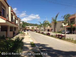 Condominio En Ventaen Santa Ana, Santa Ana, Costa Rica, CR RAH: 16-116