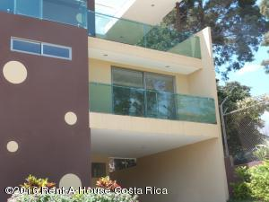 Casa En Venta En Guachipelin, Escazu, Costa Rica, CR RAH: 16-119