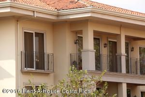Apartamento En Venta En Belen, Belen, Costa Rica, CR RAH: 16-131
