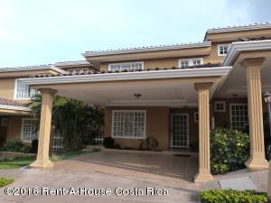 Casa En Alquiler En Guachipelin, Escazu, Costa Rica, CR RAH: 16-168