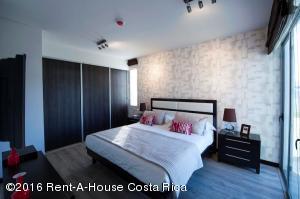 Apartamento En Venta En Santa Ana, Santa Ana, Costa Rica, CR RAH: 16-228