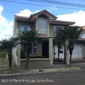 Casa En Venta En San Joaquin De Flores De Heredia, Flores, Costa Rica, CR RAH: 16-274