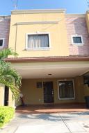 Condominio En Ventaen Pozos, Santa Ana, Costa Rica, CR RAH: 16-284