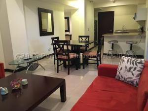 Apartamento En Alquiler En Pozos, Santa Ana, Costa Rica, CR RAH: 16-365