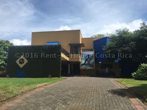Casa En Venta En Tambor, Alajuela, Costa Rica, CR RAH: 16-385