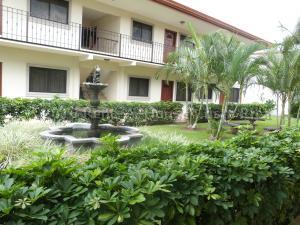 Apartamento En Alquiler En Pozos, Santa Ana, Costa Rica, CR RAH: 16-423