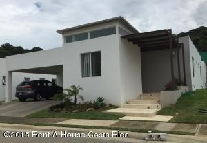 Condominio En Ventaen Santa Ana, Santa Ana, Costa Rica, CR RAH: 16-438