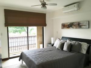 Apartamento En Alquiler En Pozos, Santa Ana, Costa Rica, CR RAH: 16-426