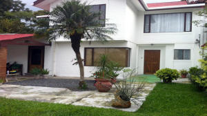 Casa En Venta En Laureles, Escazu, Costa Rica, CR RAH: 16-459
