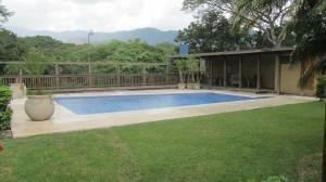 Casa En Alquiler En Santa Ana, Santa Ana, Costa Rica, CR RAH: 16-504