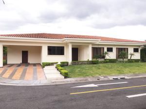 Casa En Alquileren Santa Ana, Santa Ana, Costa Rica, CR RAH: 16-507