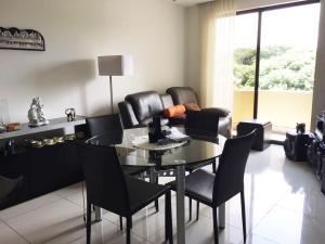 Apartamento En Ventaen Pozos, Santa Ana, Costa Rica, CR RAH: 16-368