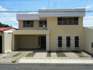 Casa En Alquiler En San Jose, San Jose, Costa Rica, CR RAH: 16-546