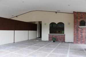Casa En Venta En Santa Ana, Santa Ana, Costa Rica, CR RAH: 16-552