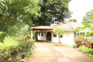 Hotel En Ventaen Alajuela, Alajuela, Costa Rica, CR RAH: 16-559