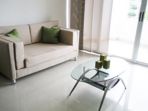 Apartamento En Alquiler En Pozos, Santa Ana, Costa Rica, CR RAH: 16-562