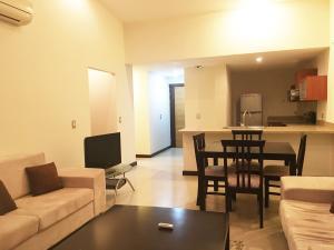 Apartamento En Alquiler En Pozos, Santa Ana, Costa Rica, CR RAH: 16-564