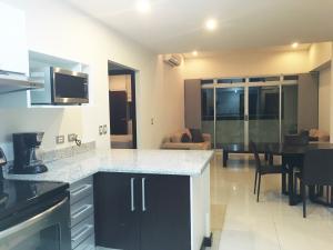 Apartamento En Alquiler En Pozos, Santa Ana, Costa Rica, CR RAH: 16-565