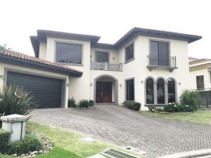 Casa En Alquiler En Guachipelin, Escazu, Costa Rica, CR RAH: 16-572