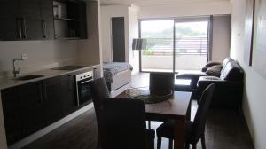Apartamento En Alquiler En Santa Ana, Santa Ana, Costa Rica, CR RAH: 16-573