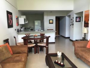 Apartamento En Alquiler En Santa Ana, Santa Ana, Costa Rica, CR RAH: 16-578