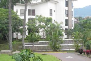 Apartamento En Alquiler En Escazu, Escazu, Costa Rica, CR RAH: 16-582