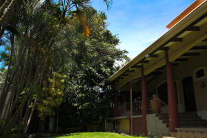 Casa En Venta En Santa Ana, Santa Ana, Costa Rica, CR RAH: 16-583
