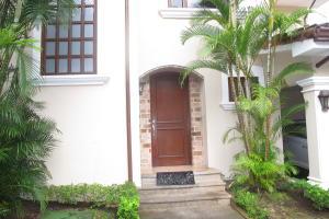 Casa En Venta En Escazu, Escazu, Costa Rica, CR RAH: 16-597
