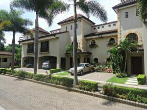 Casa En Venta En San Rafael Escazu, Escazu, Costa Rica, CR RAH: 16-603