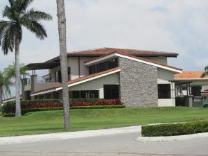 Casa En Venta En Santa Ana, Santa Ana, Costa Rica, CR RAH: 16-624