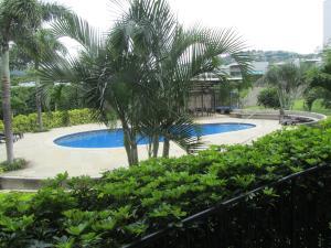 Apartamento En Alquiler En Santa Ana, Santa Ana, Costa Rica, CR RAH: 16-690